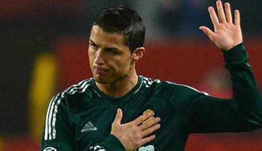 Cetak Gol, Ronaldo Minta Maaf ke Fans MU - JPNN.COM