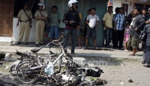 Bentrok Suporter PSIS Versus Warga, Godong Mencekam - JPNN.COM