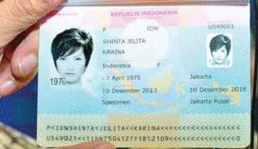 Kemenkum HAM Kenalkan Buku Paspor Baru - JPNN.COM