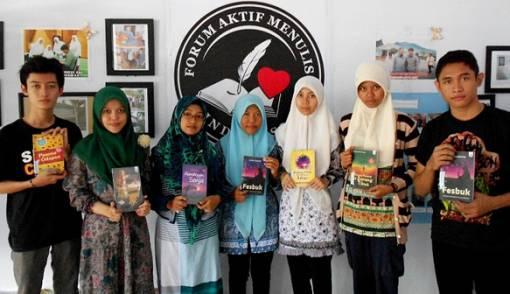 Ajak Generasi Muda Terbitkan Karya Tulis - JPNN.COM
