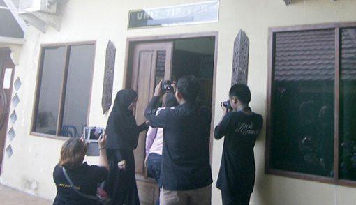 Diperiksa Polisi Balikpapan, Puput Melati Umbar Senyuman - JPNN.COM