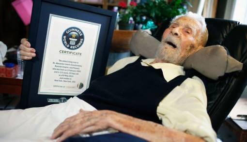 Pria Tertua di Dunia Tutup Usia - JPNN.COM