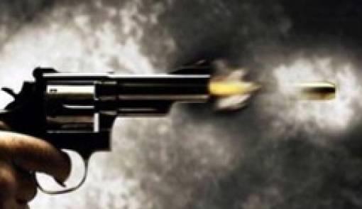 Dooorr... Punya Pistol Baru, Pria Ini Tembak Kemaluannya Sendiri, Akhirnya - JPNN.COM