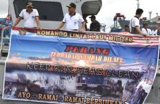 Aksi Simpatik Prajurit TNI AL Patut Dicontoh - JPNN.com