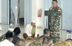 Pak Kiai: Personel TNI Tetap Waspada dan Jalankan Kewajiban Ini - JPNN.com