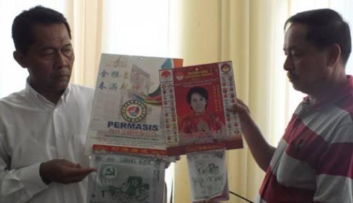 Kalender Gambar Palu Arit Beredar Luas, Ini Fotonya - JPNN.COM