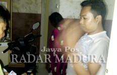 Kamar Digedor, Ngakunya Sepupuan, Tapi Si Cewek Cuma Pakai Sarung - JPNN.com