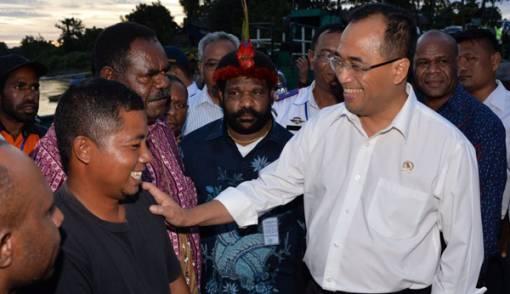 Akhirnya..Bandara Nop Goliat Berdiri di Tengah Pegunungan Papua - JPNN.COM