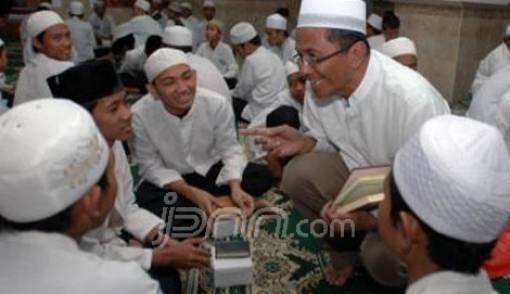 Sehari Mampu Khatamkan Al-Qur'an 1244 Kali - JPNN.COM