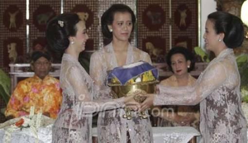 Plangkahan Awali Prosesi Pernikahan Putri Sultan Hamengku Buwono X - JPNN.COM