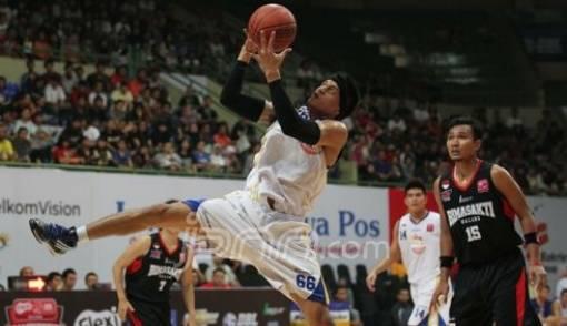 Yanuar Dwi Priasmoro, MVP Flexi NBL Indonesia 2011 - 2012 - JPNN.COM