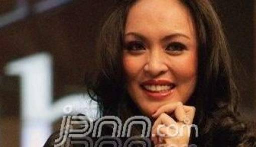 KPK Tambah Jerat Korupsi untuk Angie - JPNN.COM