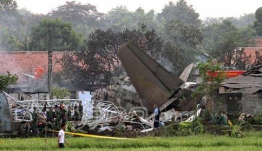 Pesawat Sepuh TNI AU Jatuh - JPNN.COM
