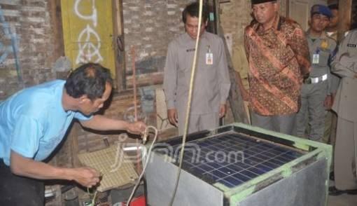 Pembangkit Listrik Tenaga Hampa di Malang Ciptaan Pria Lulusan SD - JPNN.COM