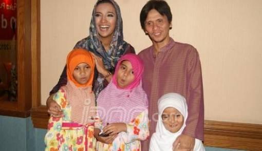 Pembantu Mudik, Gilang Ramadan Siap Masak Sendiri - JPNN.COM