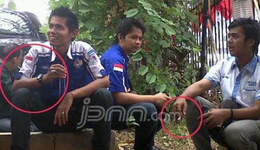Tunggui Rhoma Irama, Massa Pendukung tak Puasa - JPNN.COM