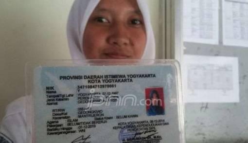 Ada Pelajar di Yogyakarta Bernama Satu Huruf Saja, Nih KTP-nya - JPNN.COM