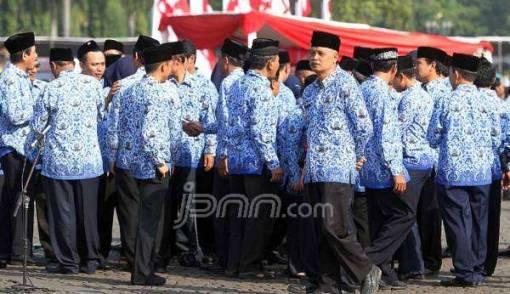Menteri Yuddy Berniat Pangkas Jumlah PNS - JPNN.COM