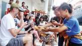 Kapal Pesiar MS Volendam, Bawa 1.067 Turis Nikmati Keindahan Surabaya - JPNN.COM