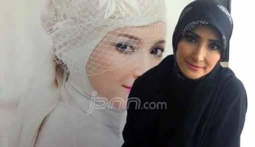 Inneke Koesherawati Temani Suami Rayakan Lebaran di Lapas - JPNN.COM