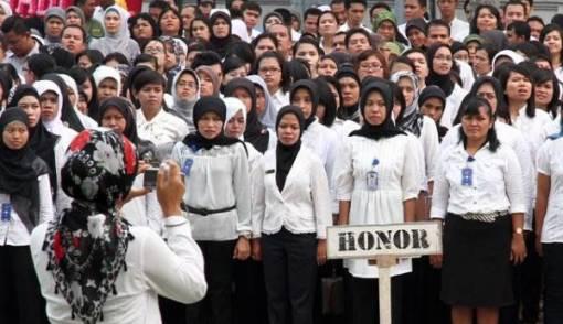 Politikus PDIP: Honorer K2 Sabar ya - JPNN.COM