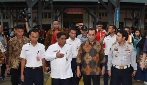 Menhub Ajak Warga Tangerang Gunakan Transportasi Massal - JPNN.COM