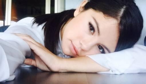 Justin Bieber Pamer Pertunangan, Selena Gomez Tak Peduli - JPNN.COM