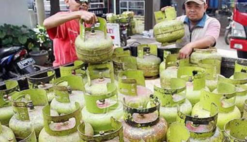 Sebanyak 48 tabung LPG Ditemukan Saat Sidak - JPNN.COM