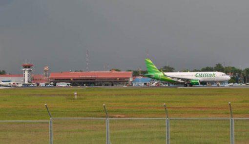 Penerbangan Terbatas, Tiket ke Indonesia Mahal - JPNN.COM