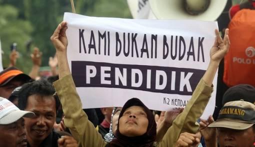 Nasib Honorer K2, Revisi UU ASN Ngambang, Disasar Calo CPNS - JPNN.COM