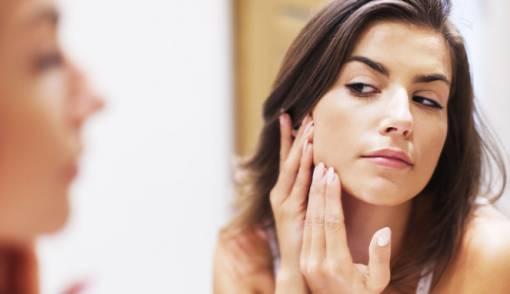 Tips Menjaga Kesehatan Kulit Wajah dari Luar dan Dalam - JPNN.COM