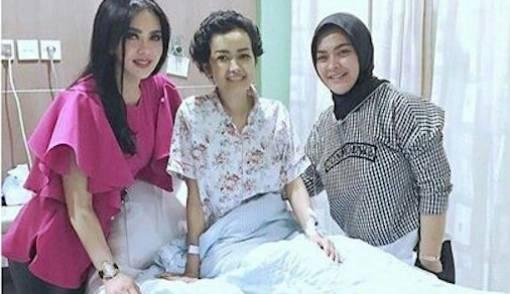 Minta Keluarga Kumpul, Julia Perez Sudah Minta Pulang - JPNN.COM