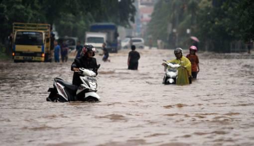 Sungai Ngison Meluap, Rumah dan Sawah Terendam Banjir - JPNN.COM