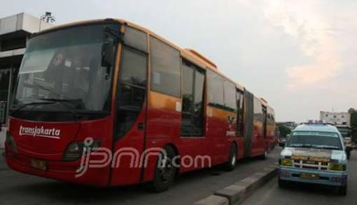 Reuni Akbar 212, Penumpang Transjakarta Capai 85.297 - JPNN.COM