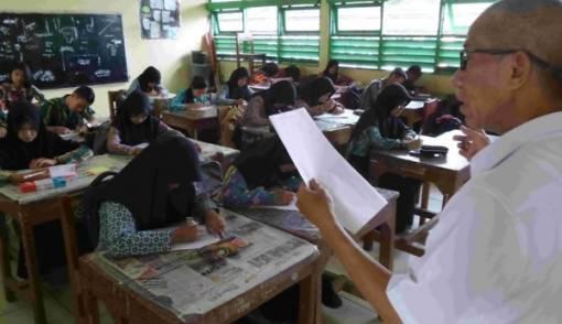 Jumlah Guru Sudah Cukup, Buat Apa Ditambah? - JPNN.COM