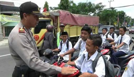 Gaungkan Road Safety ke Generasi Milenial, Begini Cara Polri - JPNN.COM