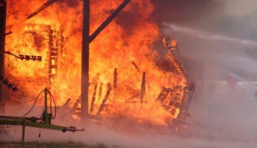 Korsleting Listrik Diduga Penyebab Kebakaran di Stasiun Klender - JPNN.COM