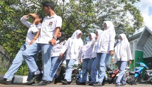10 Sekolah Negeri Belum Punya Gedung Sendiri - JPNN.COM