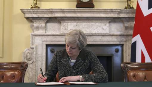 May Kehabisan Ide, No-Deal Brexit Menguat - JPNN.COM