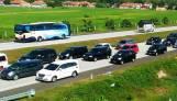 Sudah 434 Ribu Kendaraan Keluar dari Jakarta Melalui GT Cikarang - JPNN.COM