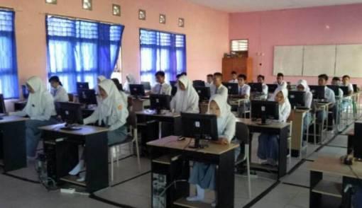 Sekolah Jangan Tarik Pungutan untuk UNBK - JPNN.COM