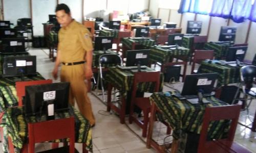 Pengadaan Komputer untuk UNBK di 5 SMP Kota Bekasi Ditunda