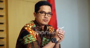 Dibekuk di Soetta, Bupati Kader PDIP Langsung Digarap di KPK - JPNN.COM