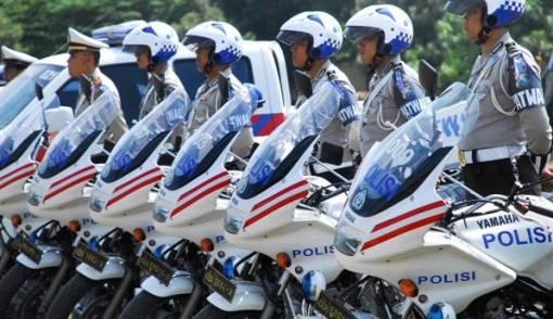 Polantas Ditabrak di Depan Istana, Tangan dan Kaki Patah - JPNN.COM