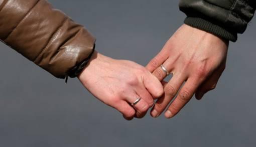 Derita Istri Punya Suami Hobi Selingkuh - JPNN.COM