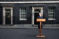 Brexit Macet, May Terancam Dimakzulkan Parlemen - JPNN.COM