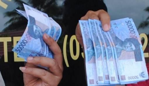 Apes Banget, Ditipu Pakai Uang Mainan Puluhan Juta - JPNN.COM