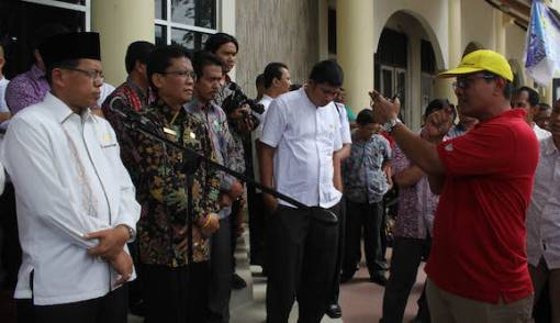 Tunjangan tak Dibayar, Tenaga Kependidikan UNP Ancam Mogok - JPNN.COM