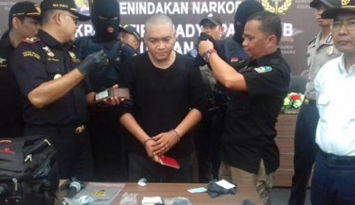 Simpan Sabu dalam Anus, Aktor Malaysia Terpidana Mati Ditangkap di Medan - JPNN.COM