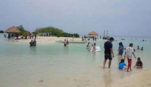 Pantai Pasir Perawan, Wisata Laut Murah Meriah di Perairan Jakarta - JPNN.COM